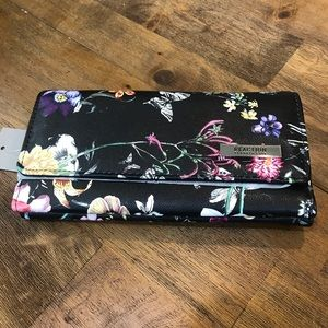 Kenneth Cole Reaction Trifold Clutch BOTANICAL